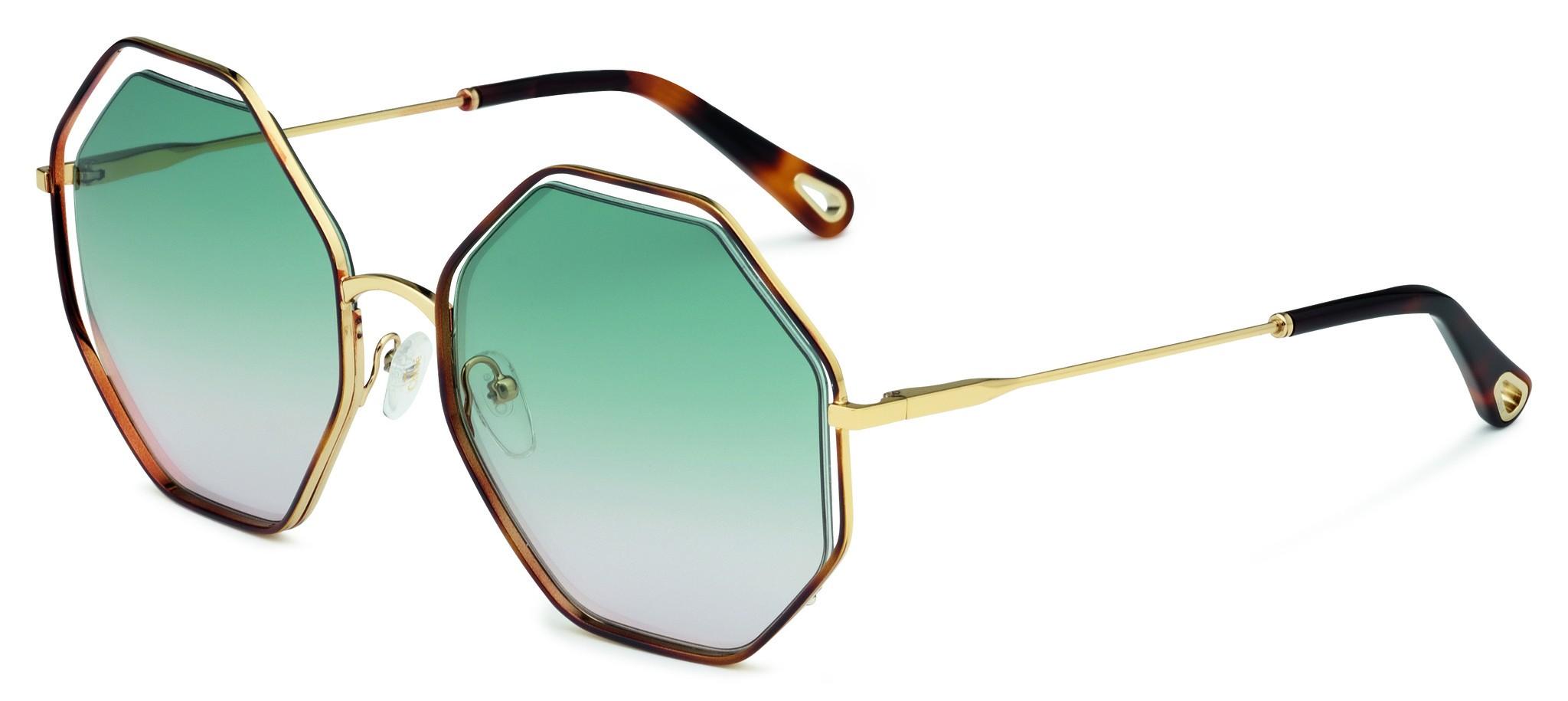Cloé Sonnenbrille mit eckigen, getönten Gläsern, die von grün in violett übergehen und goldenen Bügeln.